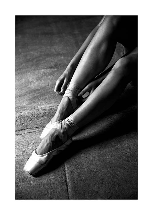 Ballerina Dancer No3 Poster / Black & white at Desenio AB (3807)